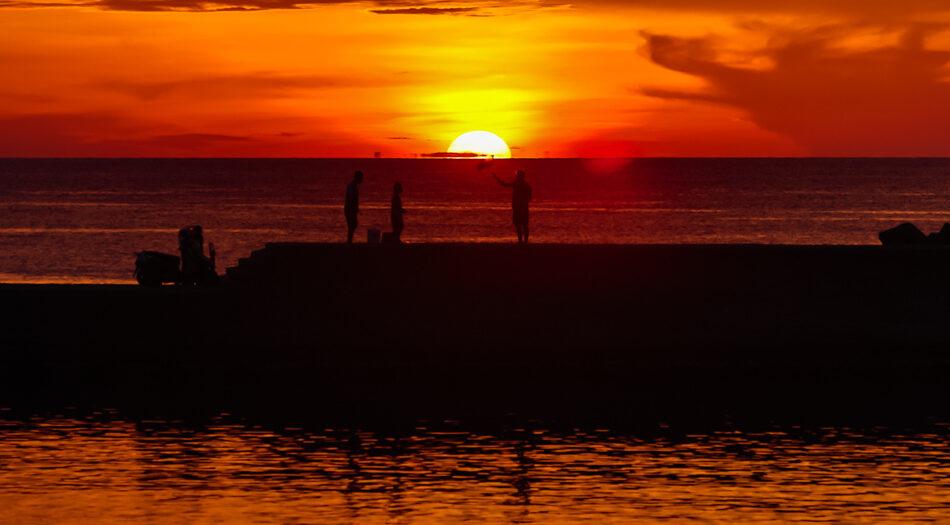 彌陀海岸光廊夕陽